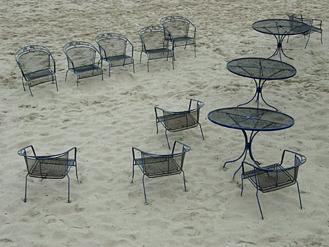 Lonesome Chairs 01