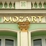 writing mozart in gold