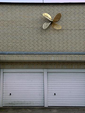 Golden Propeller