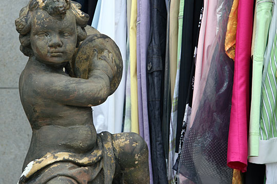 Putto and shopping